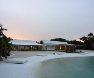 House in Casa de Campo by A-cero