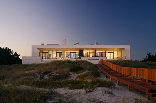 Southampton Beach House By Alexander Gorlin Architects - Spend-hot-summers-and-views-in-a-beach-house-designed-by-parsonson-architects