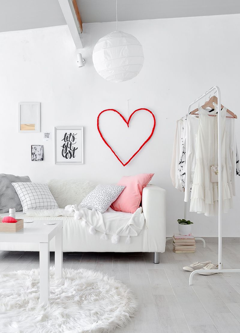 DIY Wall Valentine's Day Decoration