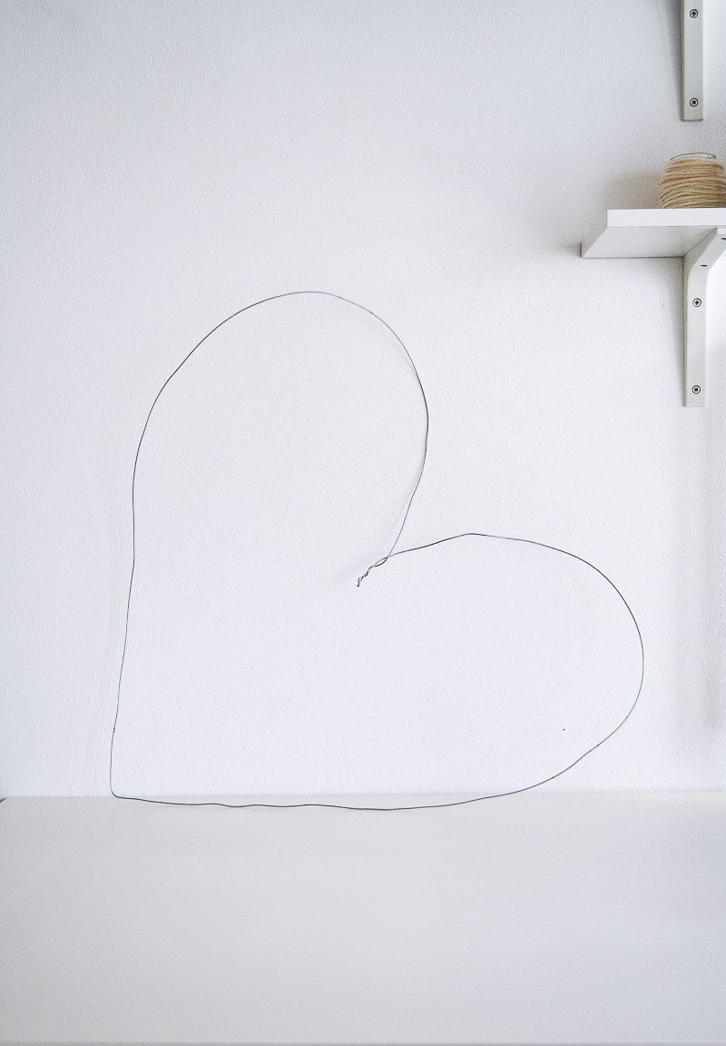 wire for a DIY Wall Valentine's Day Decoration