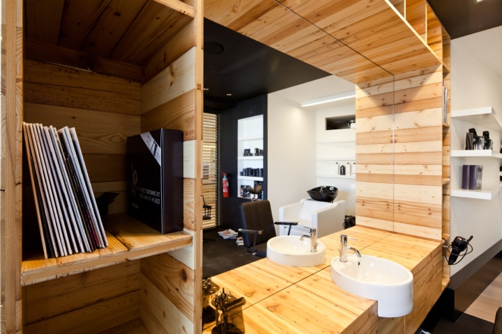 Barber shop – Italy Wood