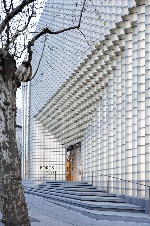 uufie develops 3D glass façade entrance