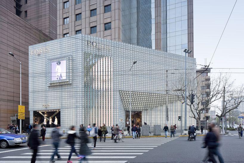 uufie develops 3D glass façade picture