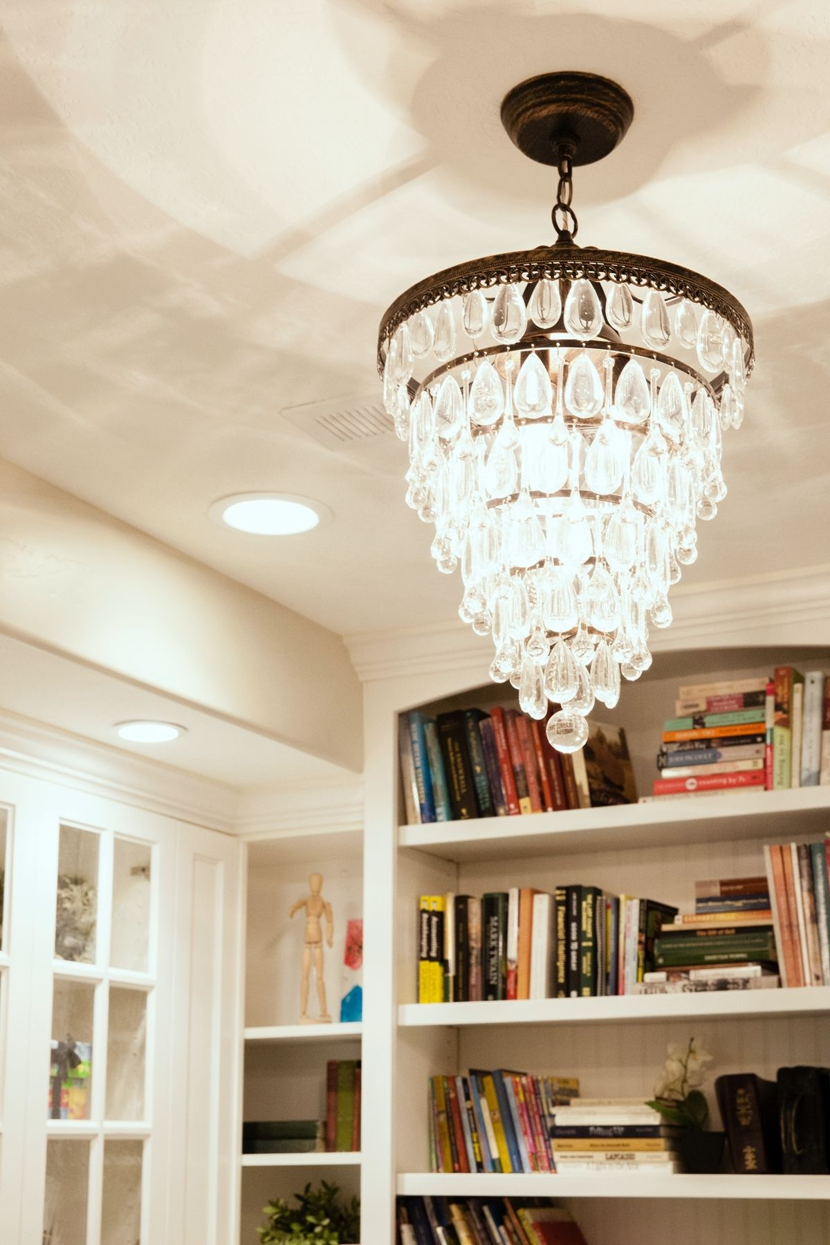 Chandelier sophistication to any family room's décor