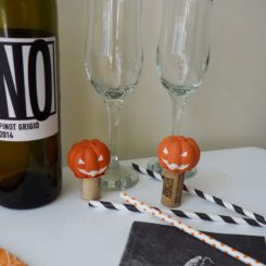 Simple Jack O'Lantern Wine Stopper for Halloween