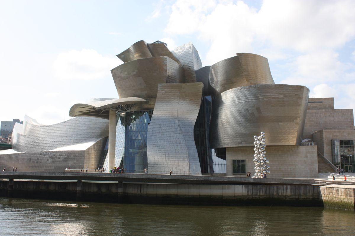 Guggenheim Museum, Bilbao — Bilbao, Spain